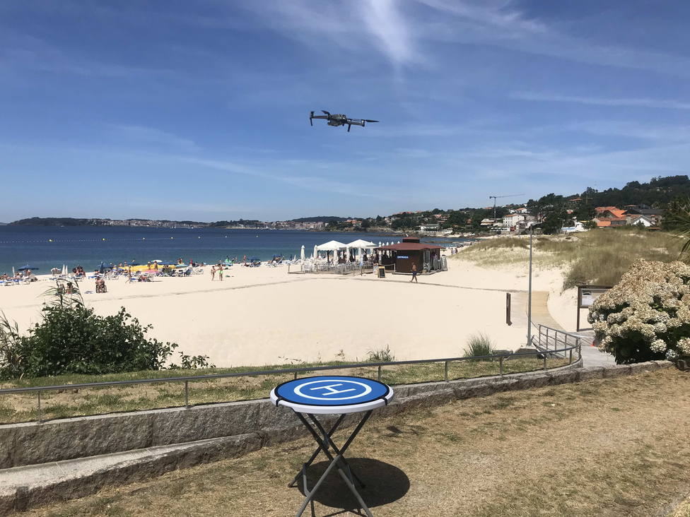 Demostración del uso de drones en la playa de Areas (Sanxenxo)