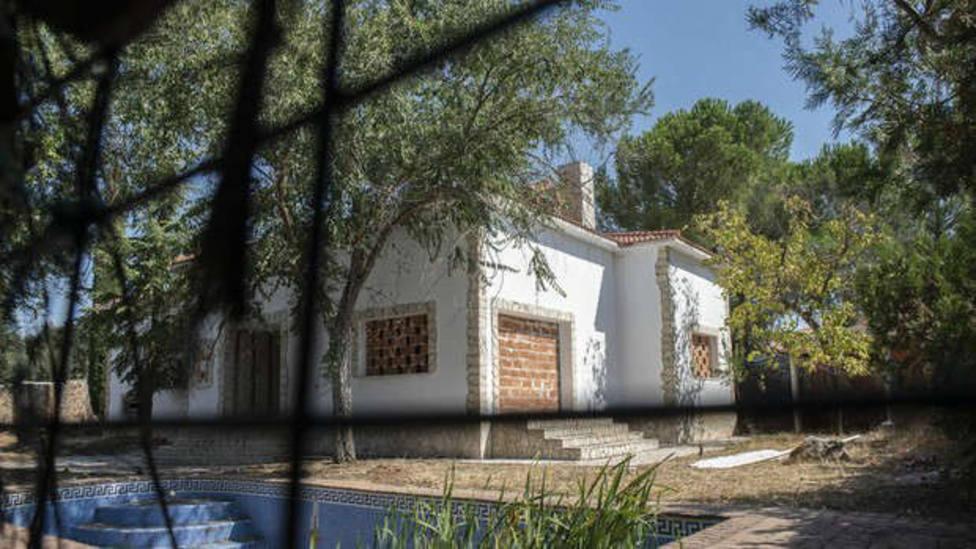Casa vacía que ha sido tapiada para evitar que sea okupada.