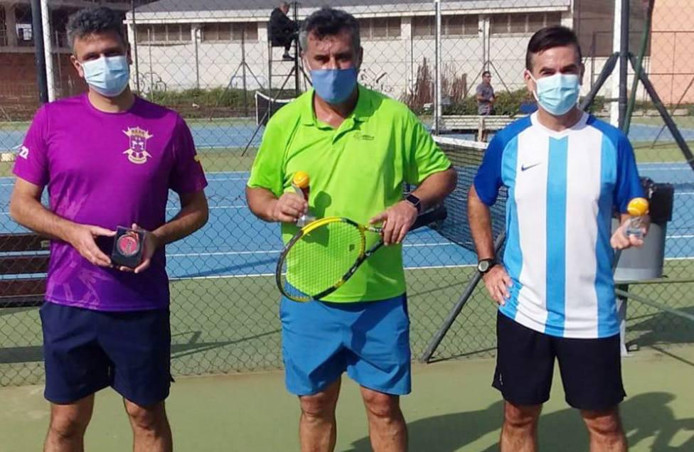 Manuel Cardona y Antonio Terrón se proclaman campeones del Torneo de Tenis Día de Andalucía