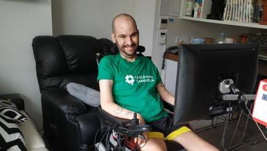 Jordi Sabaté, enfermo de ELA, entre los premiados de CONFER gracias a su campaña Mueve un dedo por la vida