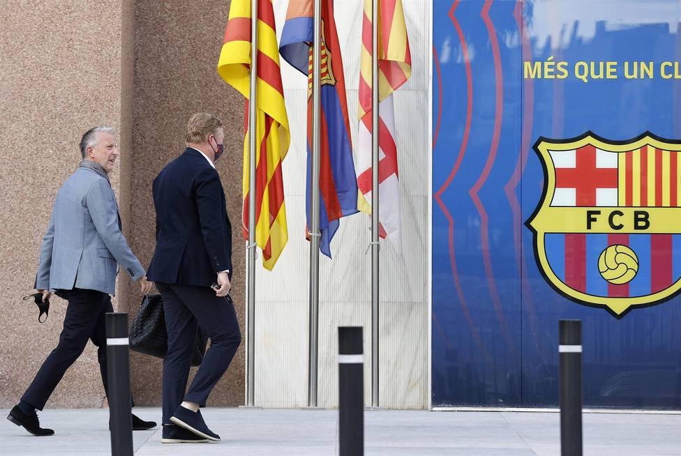Ronald Koeman llega a las oficinas del Camp Nou