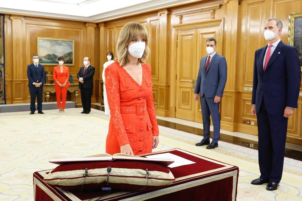 La nueva ministra de Educación y Formación Profesional , Pilar Alegría, promete su cargo ante el Rey Felipe VI