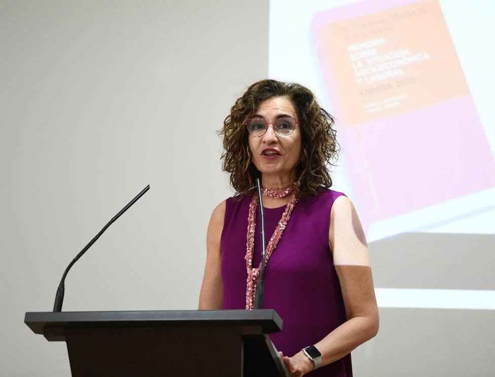 La ministra de Hacienda, María Jesús Montero interviene en el CES