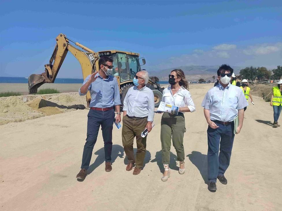 Almería.-Subdelegación y Ayuntamiento de Almería destacan los avances en las obras de ampliación del Paseo Marítimo