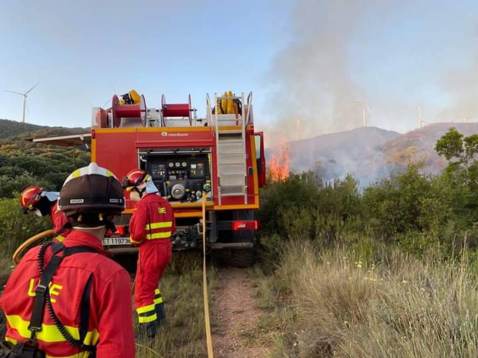 El incendio en la zona de Yerga podría quedar extinguido este lunes por la tarde