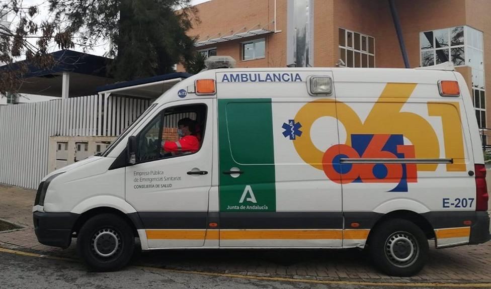 Muere una persona en una colisión entre dos turismos esta madrugada en la A-7 en San Roque
