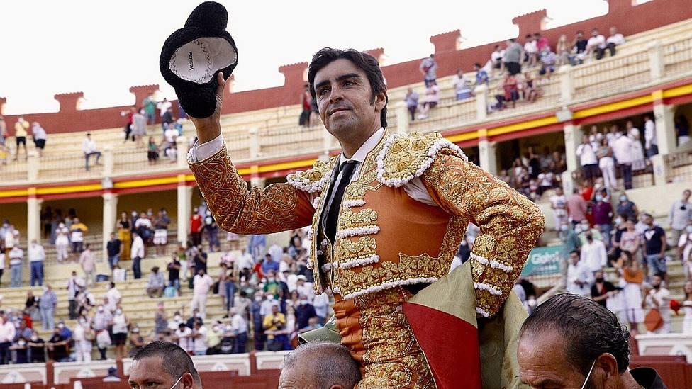 Miguel Ángel Perera en su salida a hombros este sábado en el primer festejo de Cuenca