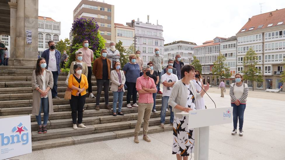 Ana Pontón con diputados autonómicos, alcaldes y portavoces municipales en Ferrol - FOTO: BNG