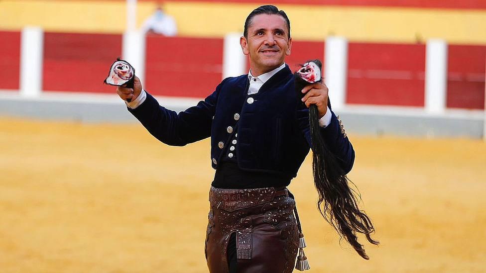 Diego Ventura con los máximos trofeos cortados este martes en Cehegín (Murcia)