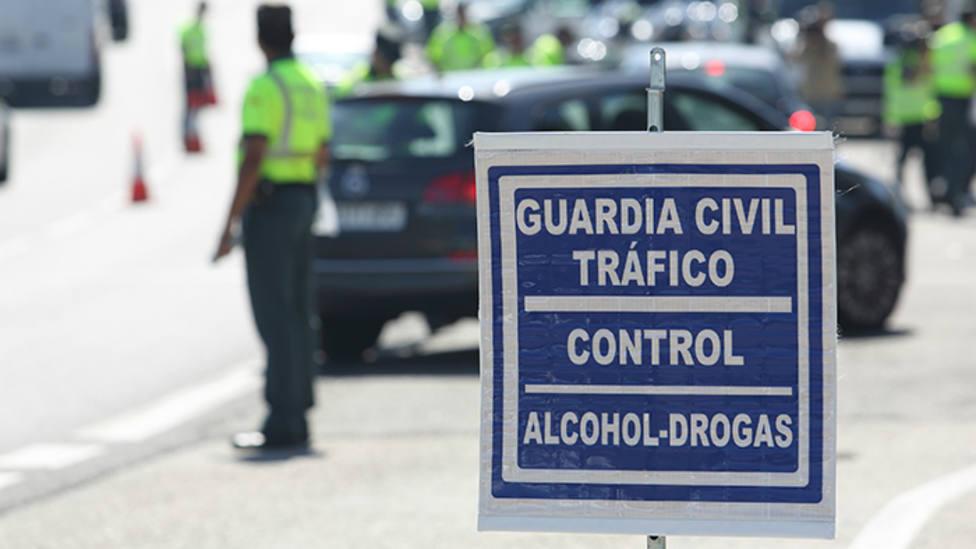 Control de la Guardia Civil. DGT