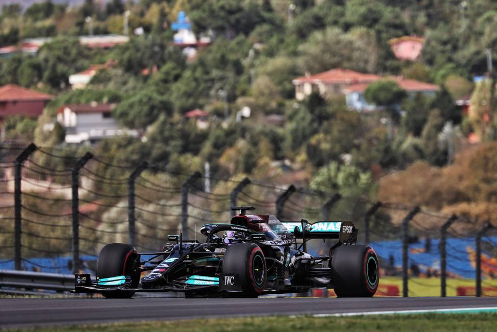 Hamilton lidera la primera sesión de entrenamientos libres de Turquía