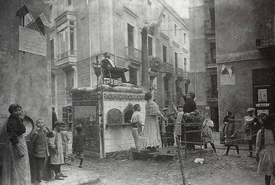 Hacia el 1900, el Ayuntamiento ya otorgaba algunos premios a las fallas más originales