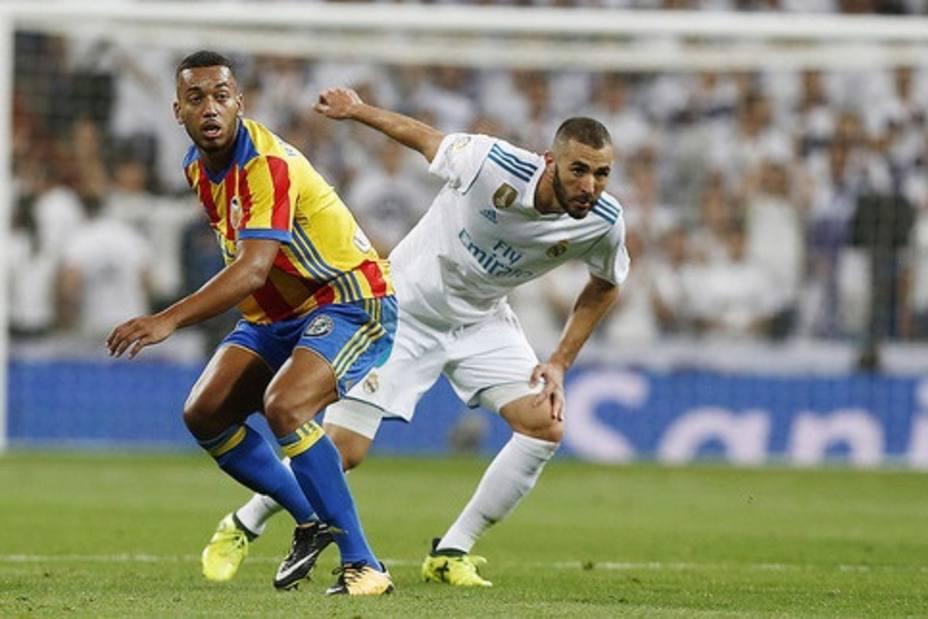 El Real Madrid recibirá al Valencia el 1 de diciembre a las 20.45 y el Barça al Villarreal el día 2 a las 18.30