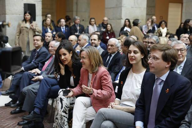 El PP recuerda a Carmena el acuerdo plenario que le obliga a encender Cibeles de rojigualda por la Constitución