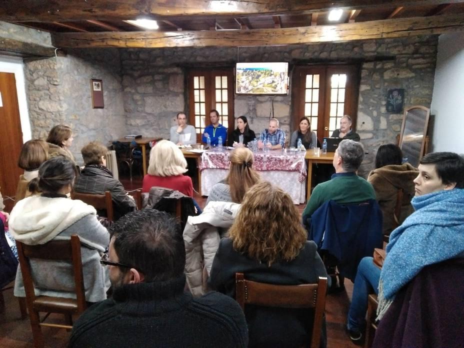 El Foro Ferrol Vivo recaló este sábado en A Graña