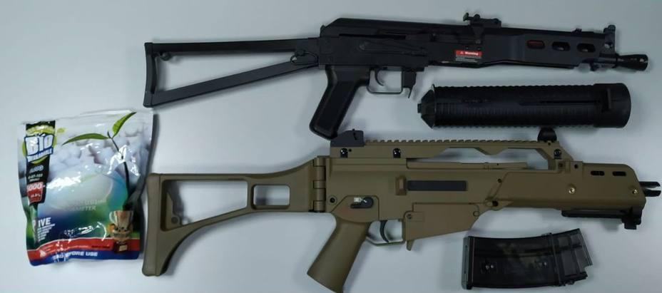 La policía interviene dos armas airsoft