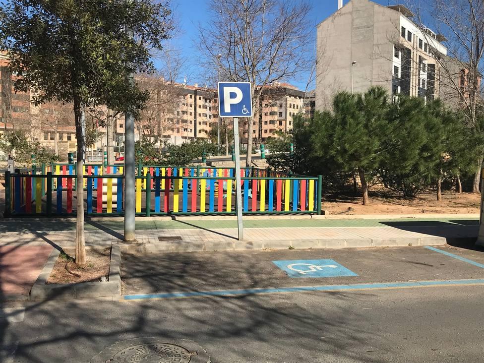 Zona de aparcamiento reservada para personas con movilidad reducida