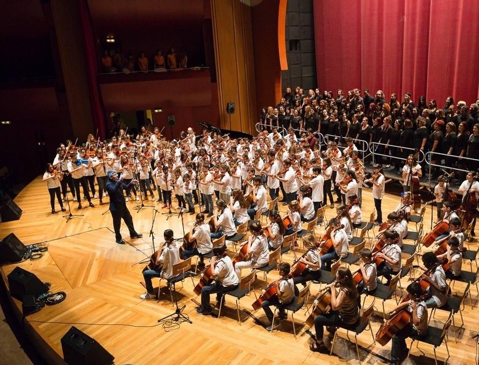 CANARIAS.-El Auditorio Alfredo Kraus de Las Palmas de Gran Canaria acoge un concierto benéfico de Barrios Orquestados