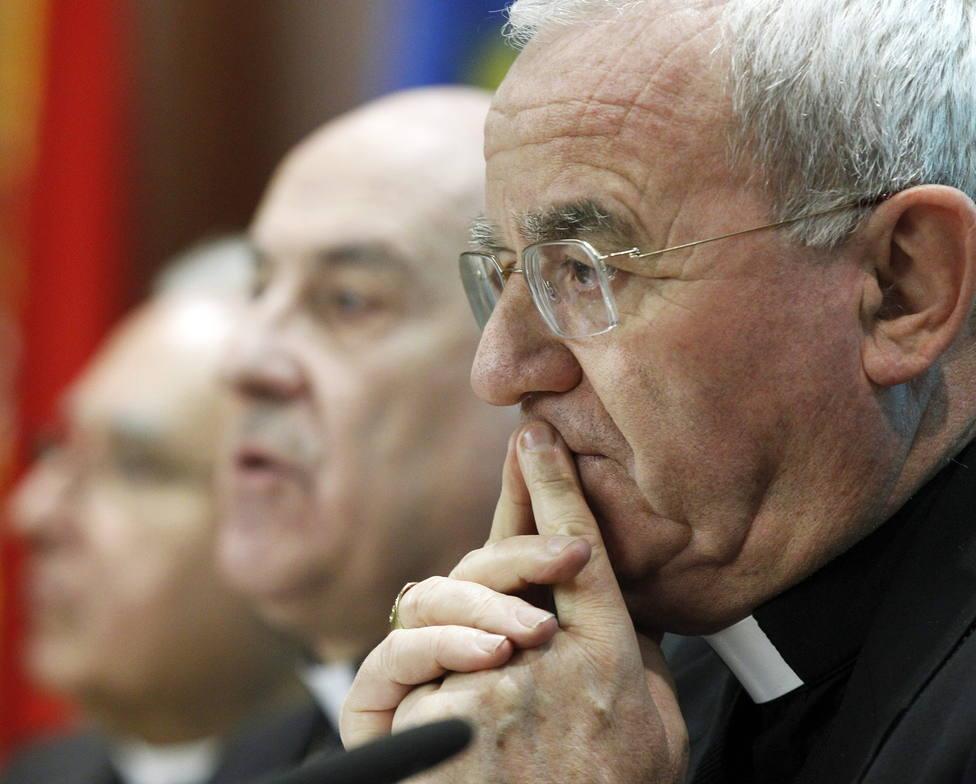El Vaticano aclara las declaraciones del ex nuncio sobre la exhumación de Franco