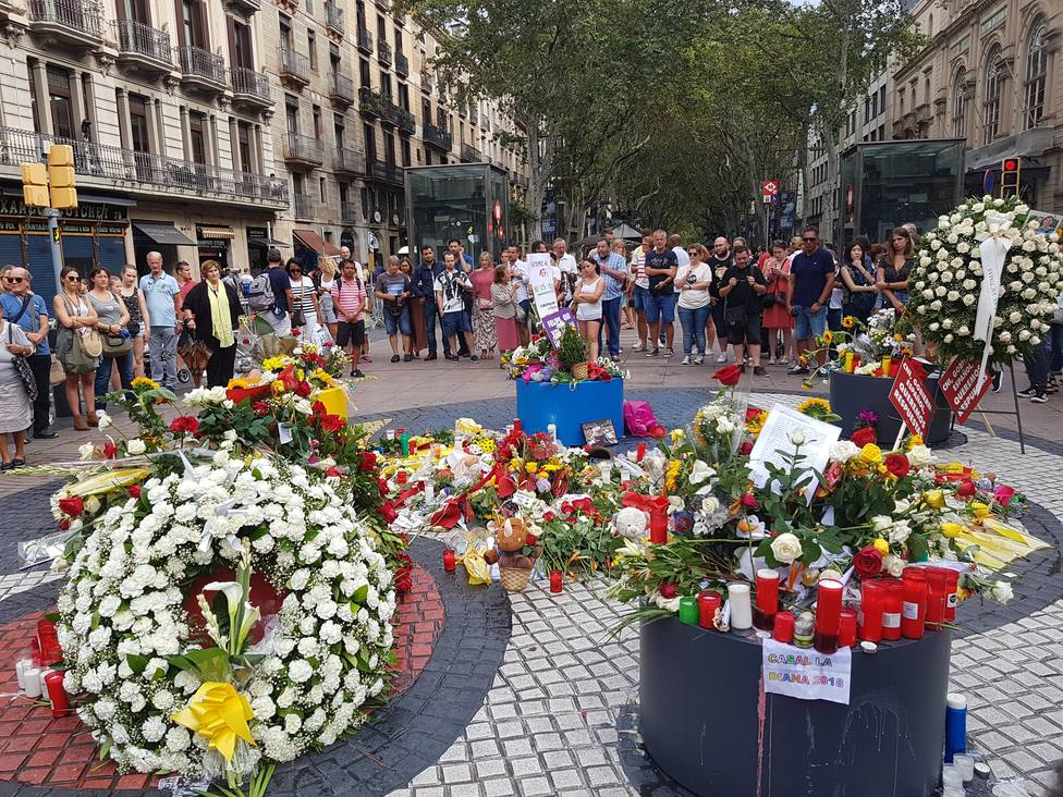 Interior espera cerrar en un centenar la cifra oficial de víctimas de los atentados en Cataluña de agosto de 2017