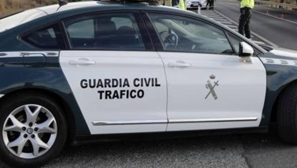 La Guardia Civil intercepta a un centenar de conductores que superaban tasa de alcohol y drogas en S. Froilán
