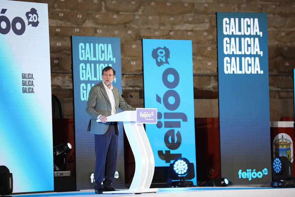 Rajoy defiende su reforma laboral porque creó 500.000 empleos y dice que no hay que cambiarla