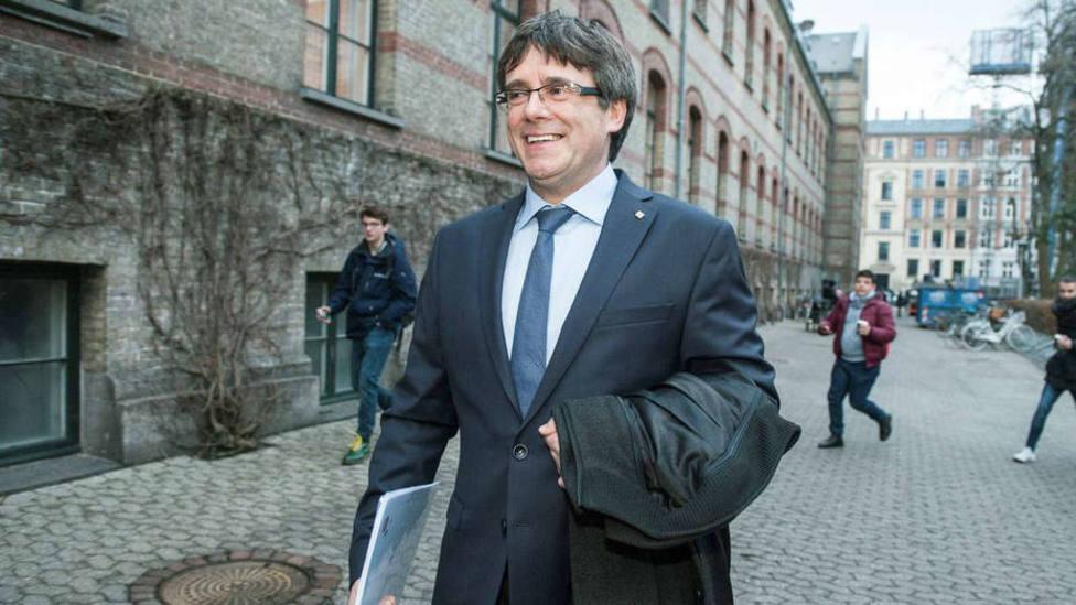Puigdemont escogido presidente de JxCat con el 99 % de votos de las bases