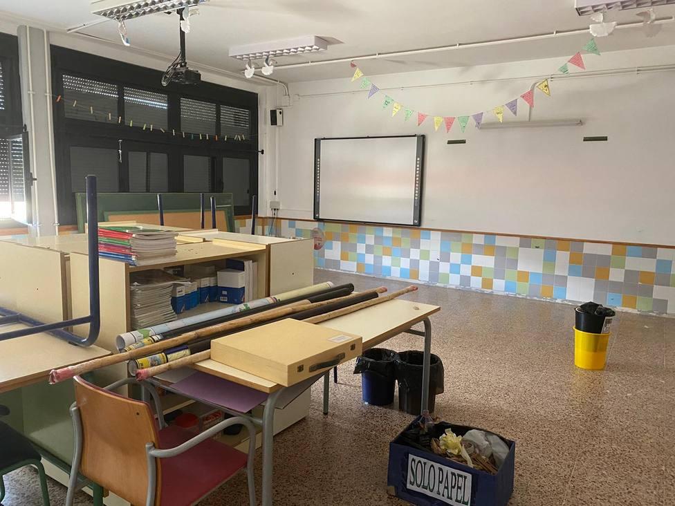 Segorbe pinta el aulario de primaria del CEIP Pintor Camarón