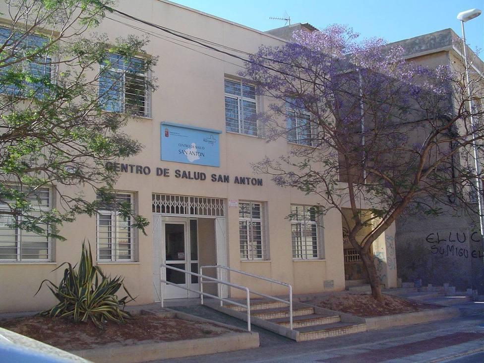 Atención Primaria de San Antón pasa a nivel rojo por el aumento de casos positivos en las pruebas Covid-19