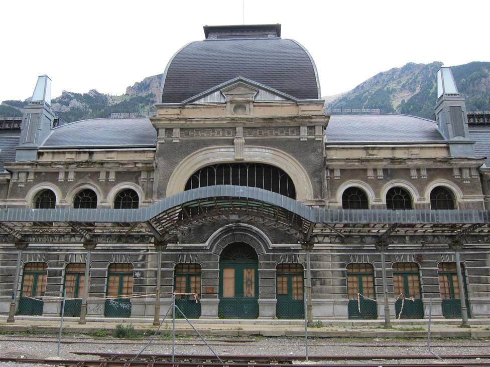 Estación de Canfranc. Pirineo aragonés. Aragón