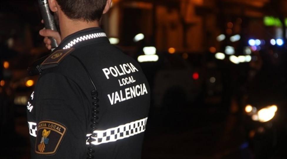 La Policía sorprende a 30 jóvenes que realizaban una fiesta en una residencia de estudiantes de Valencia
