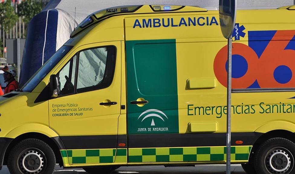 Dos muertos y cuatro heridos tras la colisión de varios coches en La Carlota