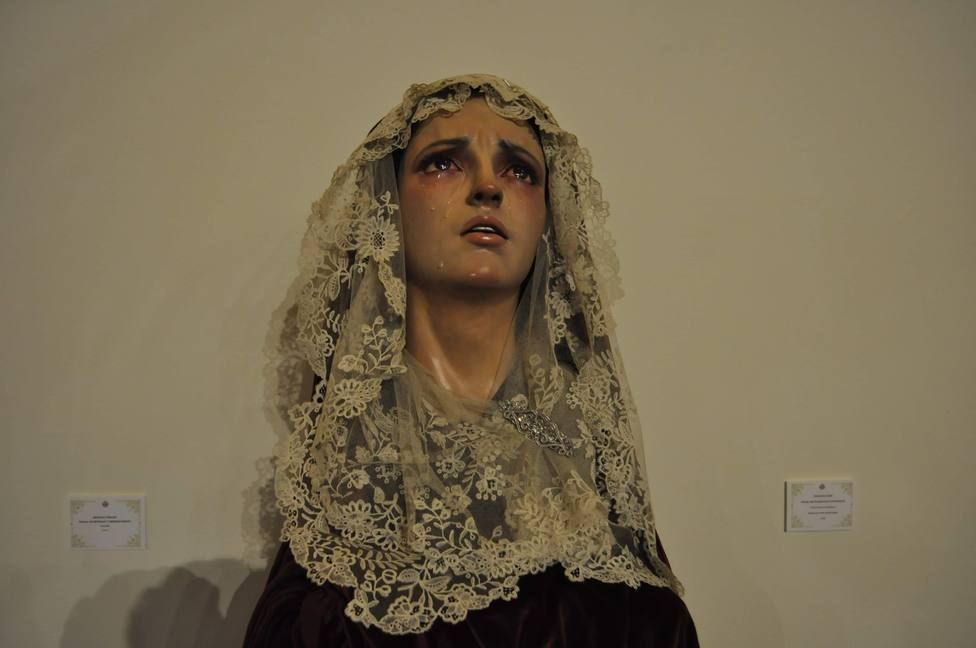Los Claustros alivian la nostalgia de procesiones con patrimonio de gran interés