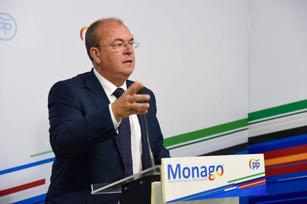 El pte del PP de Extremadura José Antonio Monago en rueda de prensa.