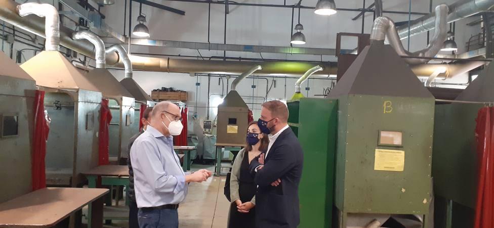 Gonzalo Trenor visitó el centro integrado de empleo de Ferrol. FOTO: Xunta