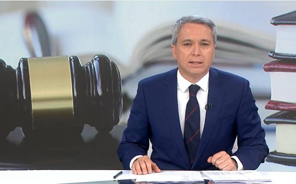 Vicente Vallés se salta el guion y estalla en directo contra el Gobierno: Cuando estaban en la oposición...