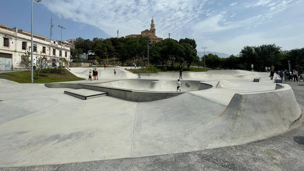 Motril ya disfruta de un renovado Parque de los Pueblos de América, el pulmón verde de la ciudad
