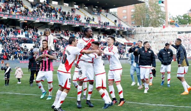 El Rayo Vallecano celebra la victoria ante el Tenerife (@LaLiga)