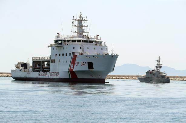 La CE confirma que colaborará en la reubicación de los inmigrantes del barco que llegará a Italia
