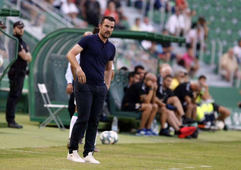 El Tenerife destituye a su entrenador López Garai tras el empate contra el Cádiz