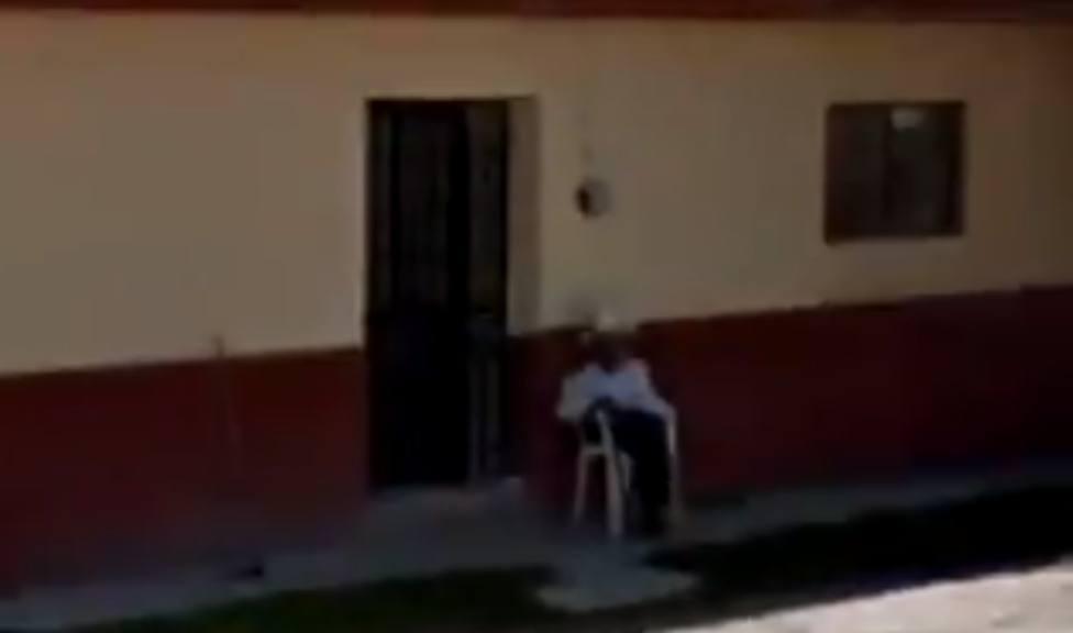 Una joven encuentra a su abuelo muerto en Google Maps y desata una bonita oleada de fotos nostálgicas