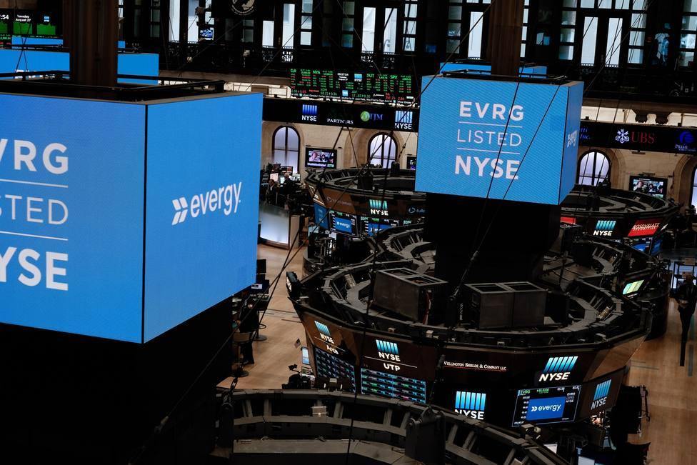 Las Bolsas estadounidenses caen más de un 3% ante el avance del coronavirus