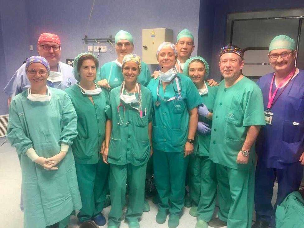 El Hospital Torrecárdenas concluye la segunda fase de una complicada anastomosis magnética en una menor