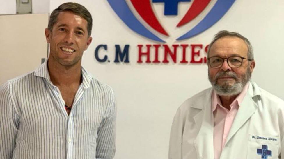 Manuel Escribano junto al doctor Domingo Jiménez
