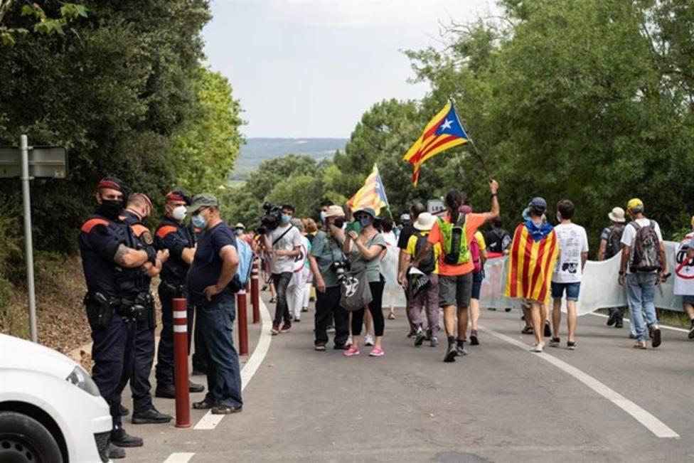 Unas 300 personas se concentran en Girona para protestar contra la monarquía