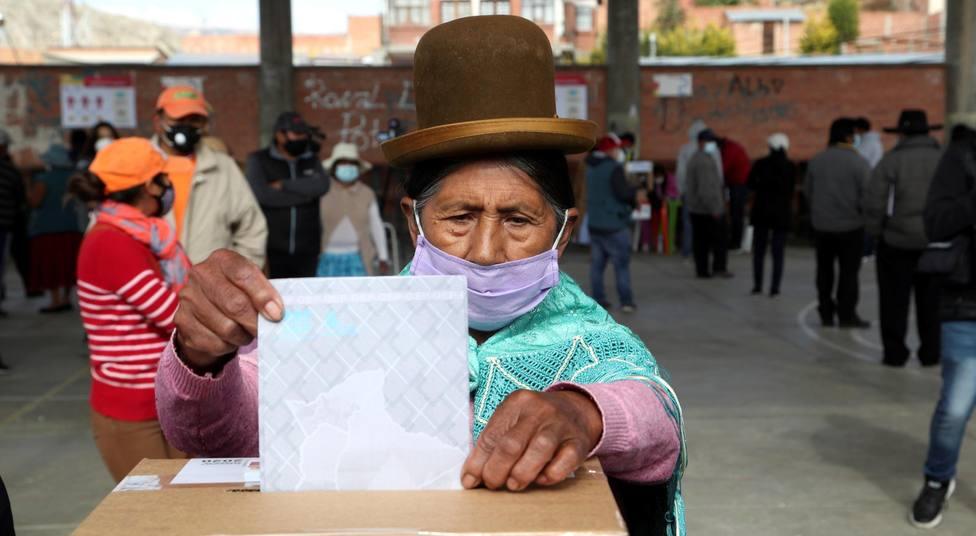 Bolivia inicia el recuento de votos después de nueve horas de sufragio