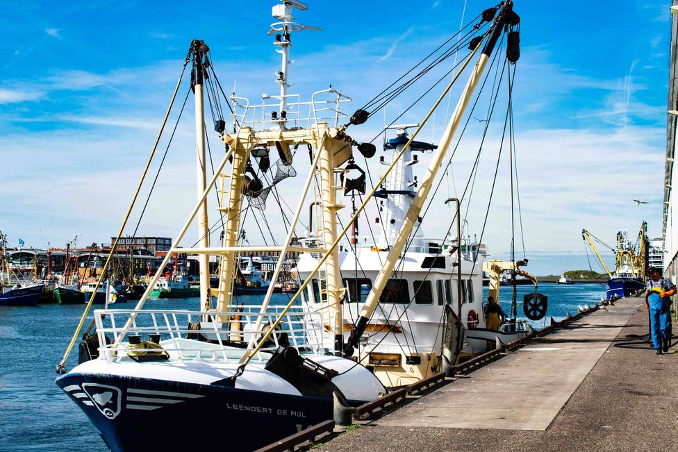 Foto barco en el Puerto de El Musel