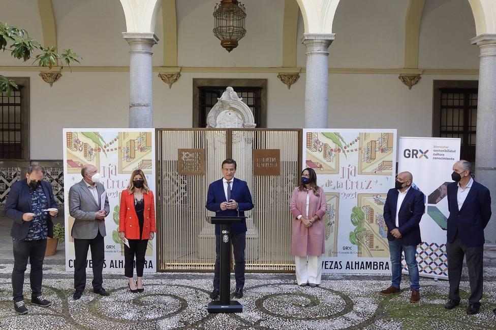 Granada.- El Ayuntamiento anima a vestirse de flamenca y a adornar balcones en el Día de la Cruz