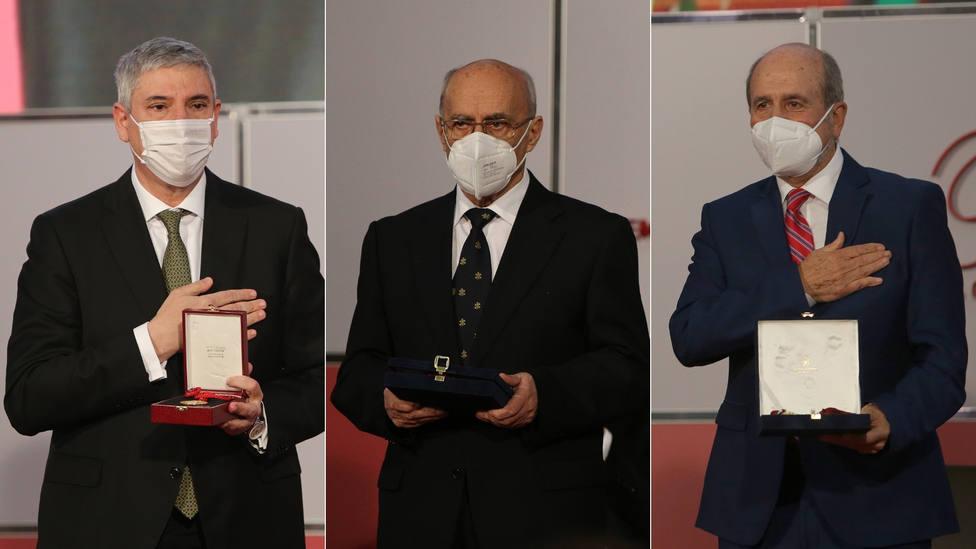 José Vicente de los Mozos, Teófanes Egido y Mariano Esteban en la entrega de los Premios Castilla y León 2020