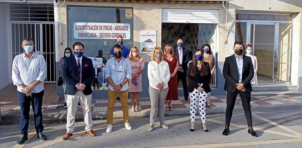 Sebastián Linde y Asociados inaugura su nueva oficina en el paseo marítimo de Torrenueva Costa